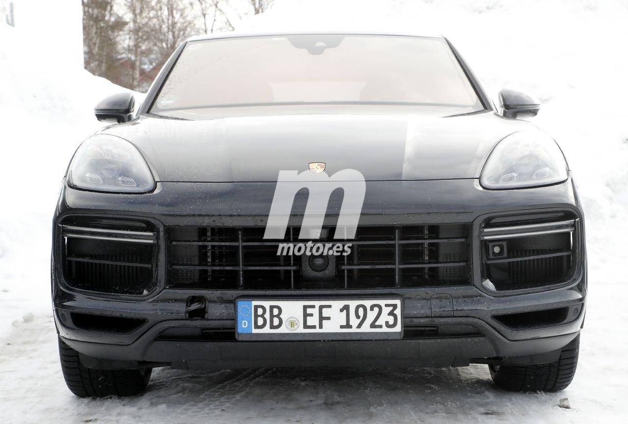Escucha el sonido del nuevo Porsche Cayenne Coupé Turbo GT en un vídeo espía
