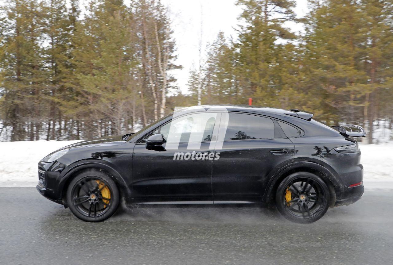 2019 [Porsche] Cayenne coupé - Page 6 Porsche-cayenne-coupe-turbo-gt-2021-fotos-espia-202066386-1586335820_12