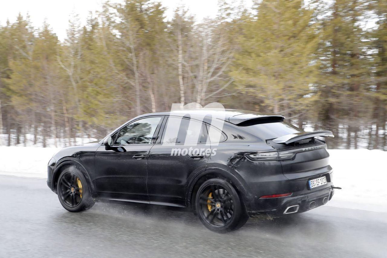 2019 [Porsche] Cayenne coupé - Page 6 Porsche-cayenne-coupe-turbo-gt-2021-fotos-espia-202066386-1586335822_13