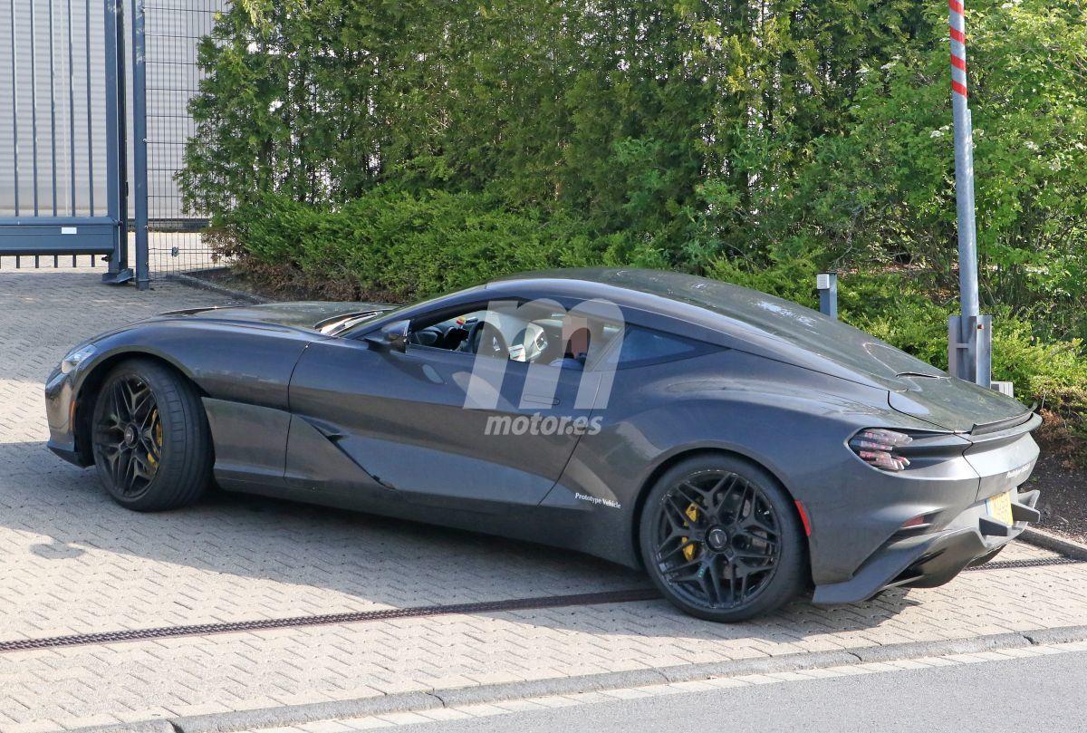 2019 Aston Martin DBS GT Zagato 13