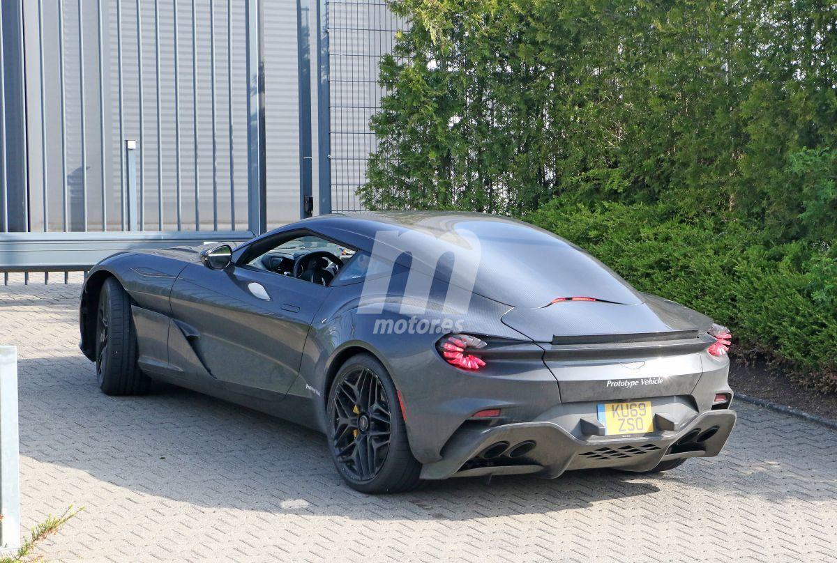 2019 Aston Martin DBS GT Zagato 14