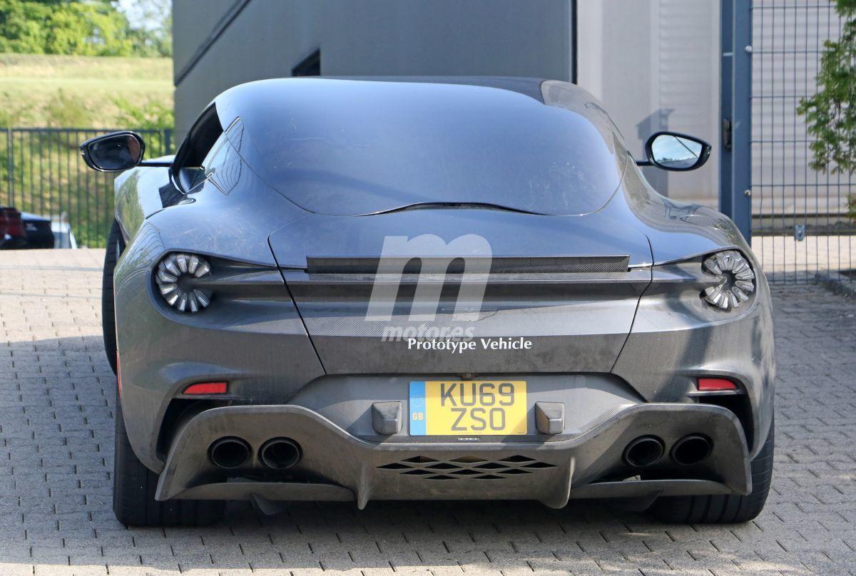 2019 Aston Martin DBS GT Zagato 17
