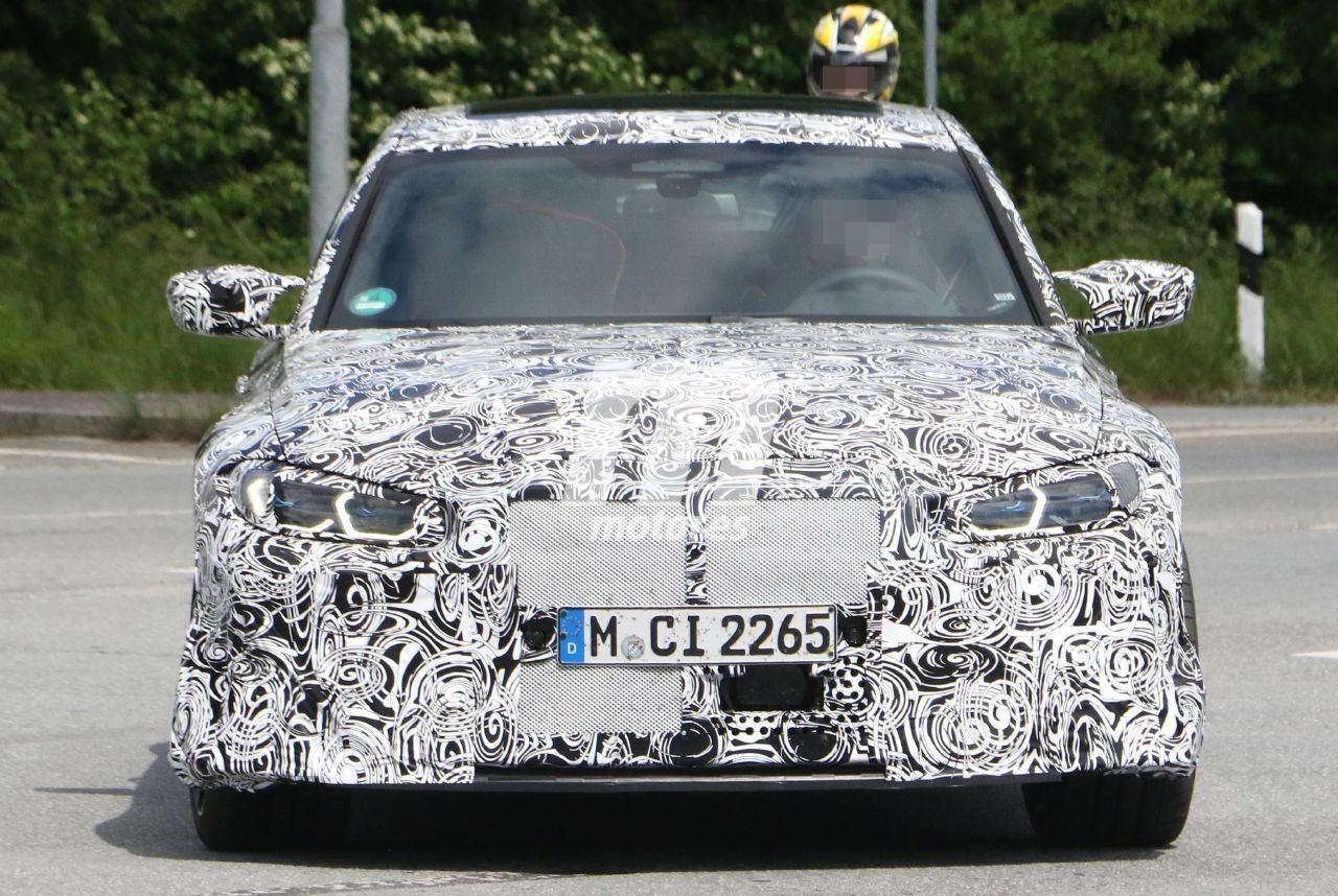 El nuevo BMW M3 G80 vuelve a posar en pruebas, mostrando detalles de su interior