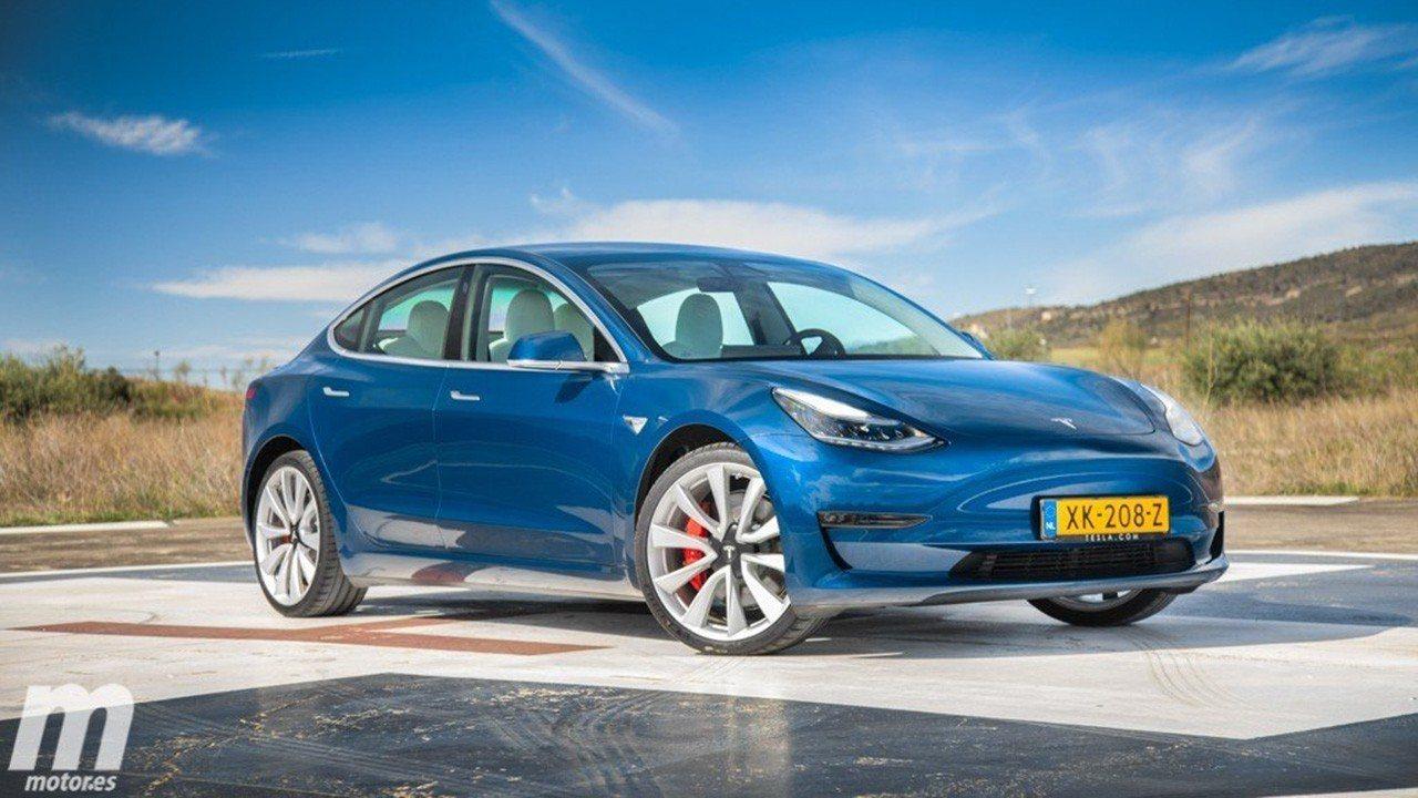 ¿Los coches eléctricos deberían estar exentos de IVA? La UE apuesta por ello