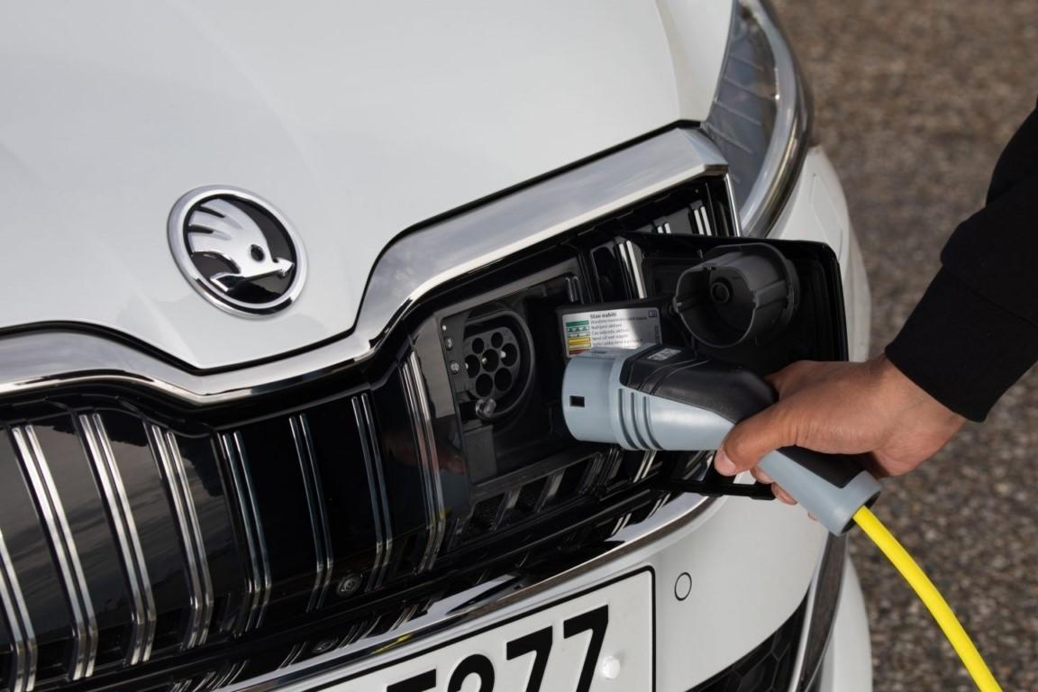 Los fabricantes, agobiados por las grandes multas de los límites en las emisiones de CO2