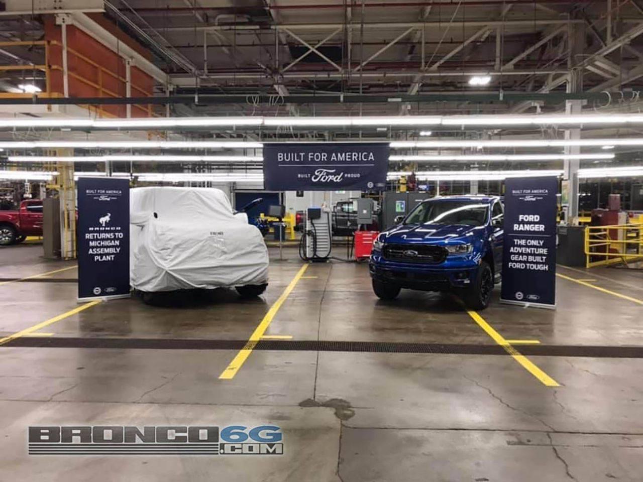 Ford adelanta la producción del Bronco mostrándolo tapado en la factoría