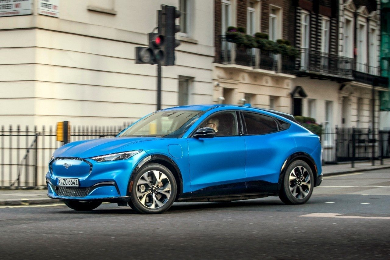 El nuevo Ford Mustang Mach-E carga su batería más rápido de lo previsto