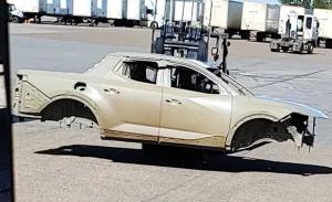 El chasis del Hyundai Santa Cruz al descubierto en esta foto espía