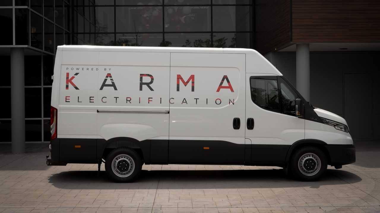 Karma desvela nuevo prototipo de rango extendido: una Iveco Daily con vinilos
