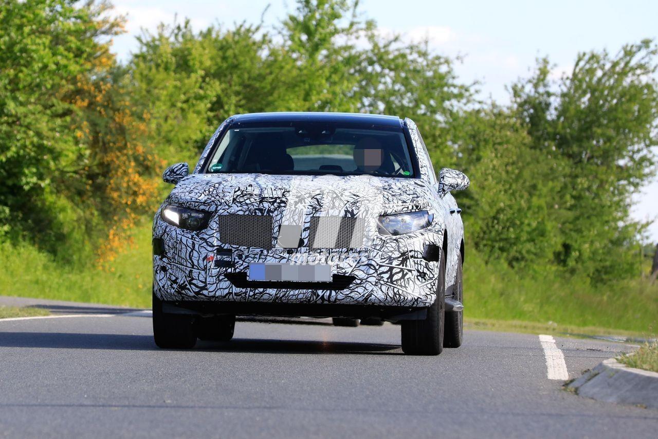 El prototipo del nuevo Mercedes GLC 2022 posa en nuevas fotos espía