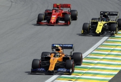 Carlin ve a Sainz capaz de plantar cara a Leclerc: «Lo superará en carrera»