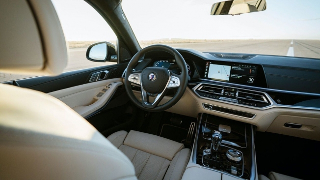 Alpina XB7 - interior
