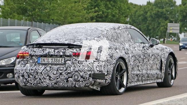 Audi e-tron GT - foto espía posterior