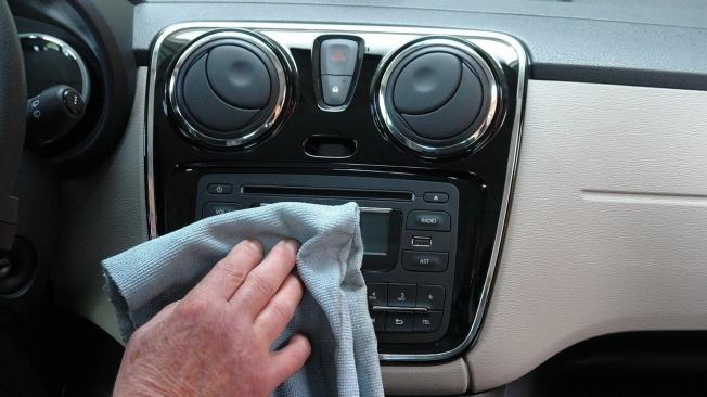 Cómo desinfectar el interior del coche en tiempos de coronavirus