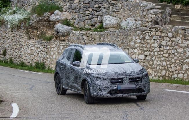 Dacia Sandero Stepway 2021 - foto espía frontal
