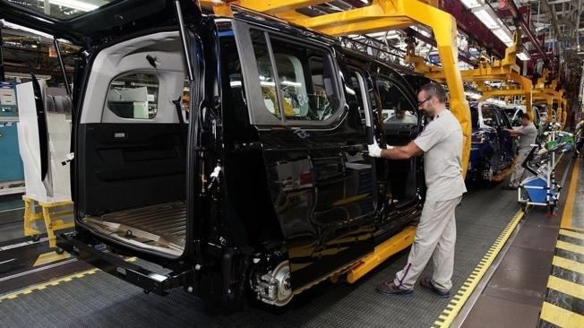 Producción de las furgonetas de PSA en Vigo