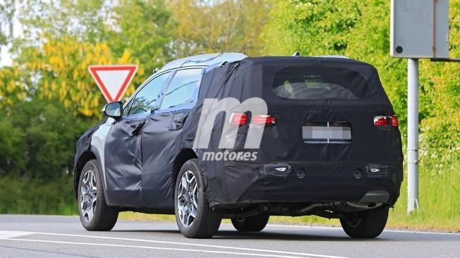 Hyundai Santa Fe 2021 - foto espía posterior