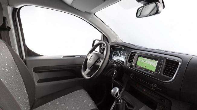 Opel Vivaro Combi - interior