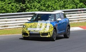 El MINI Countryman 2021 traslada sus pruebas al asfalto de Nürburgring