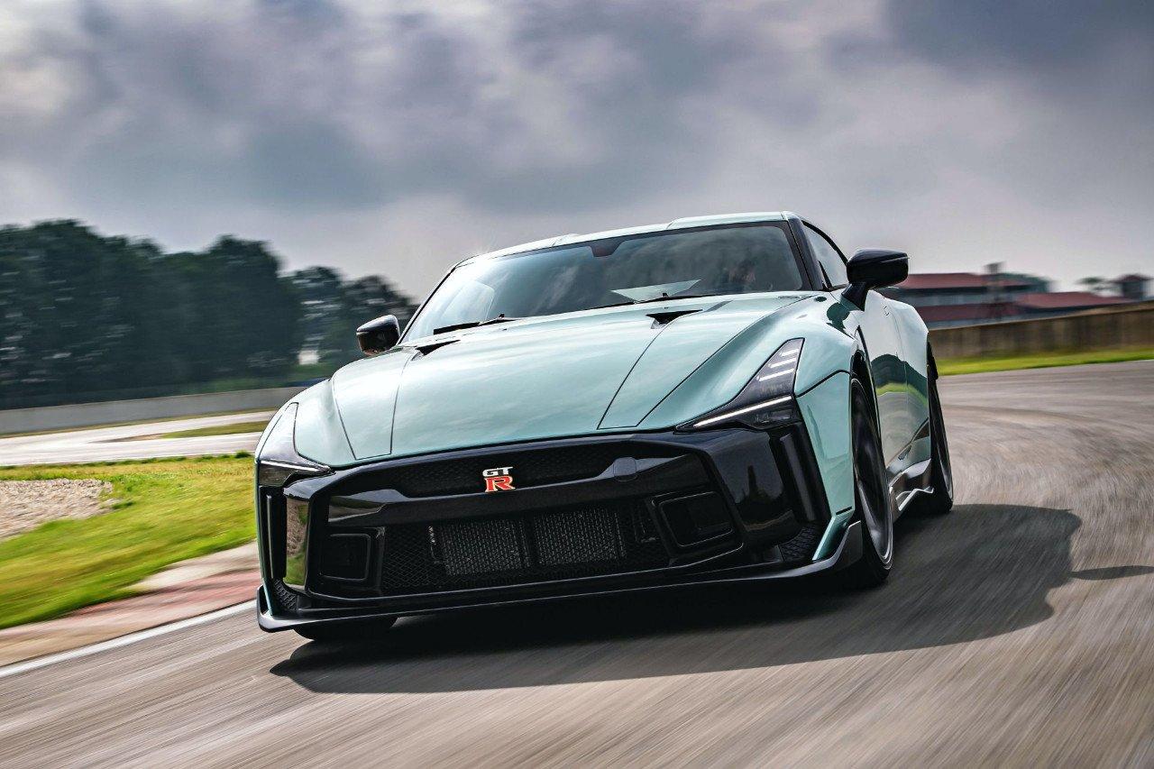 El Nissan GT-R50 Italdesign de producción presentado en el circuito Tazio Nuvolari