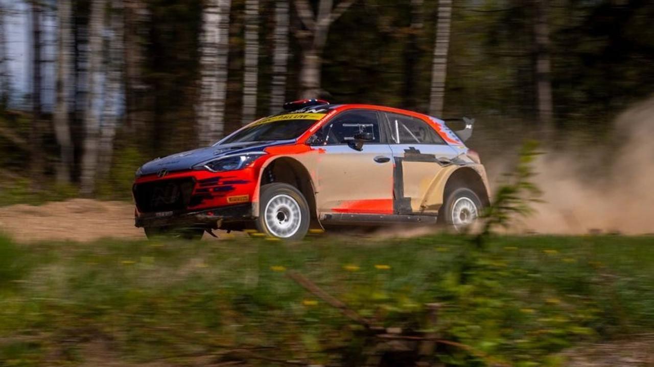 Ott Tänak vuelve a la acción en un test con un Hyundai i20 R5