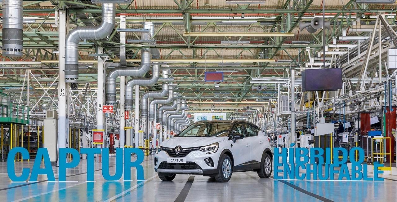 El nuevo Captur E-TECH, primer híbrido enchufable de Renault, entra en producción