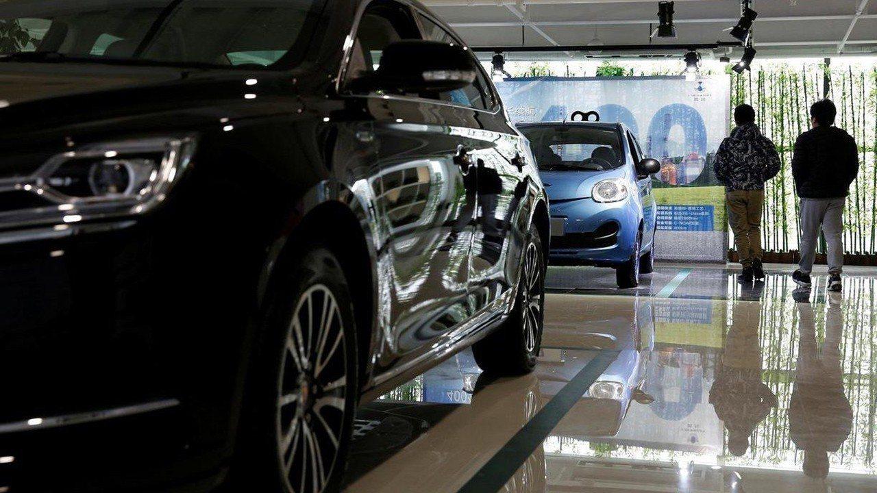 China - Abril 2020: Las ventas de vehículos crecen por primera vez desde 2018