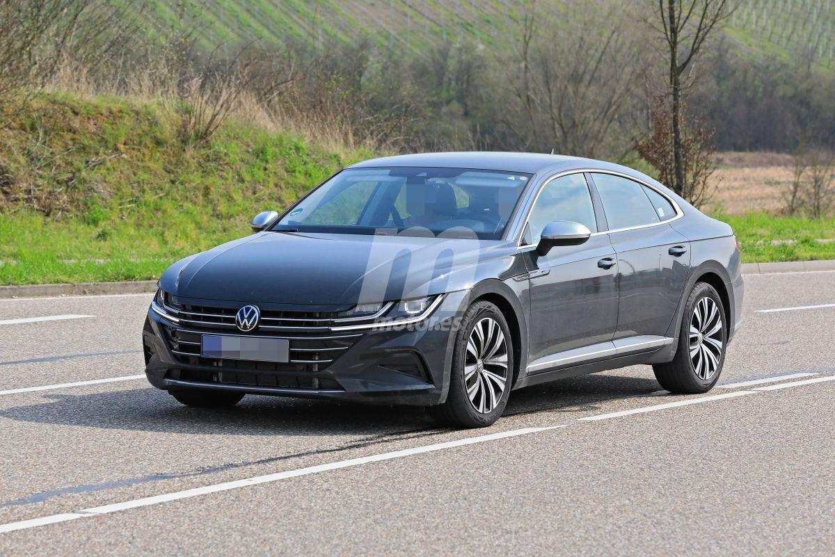 Cazamos el Volkswagen Arteon facelift prácticamente desnudo