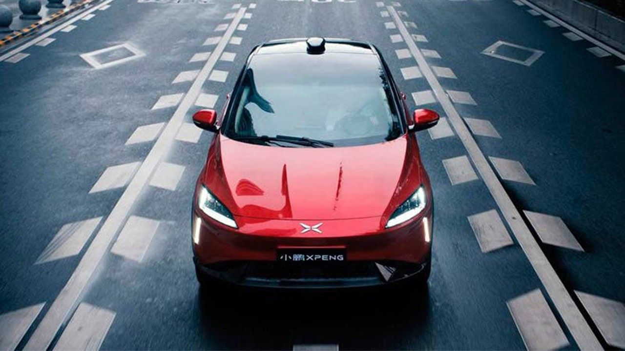 China rebaja su apuesta por el coche eléctrico para reactivar el mercado