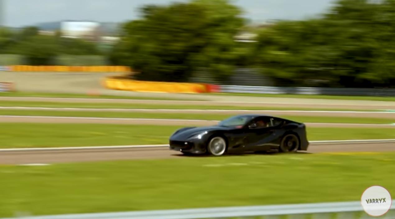 La versión potenciada del Ferrari 812 ya rueda en Fiorano [vídeo]