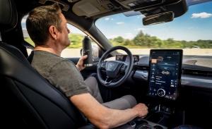 El Ford Mustang Mach-E tendrá función de conducción autónoma en 2021