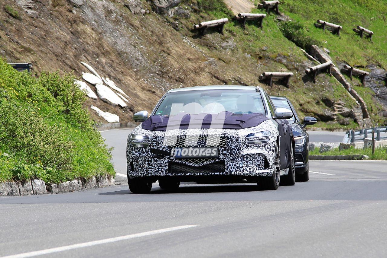 El Genesis G70 Facelift se deja ver más destapado en pruebas por los Alpes