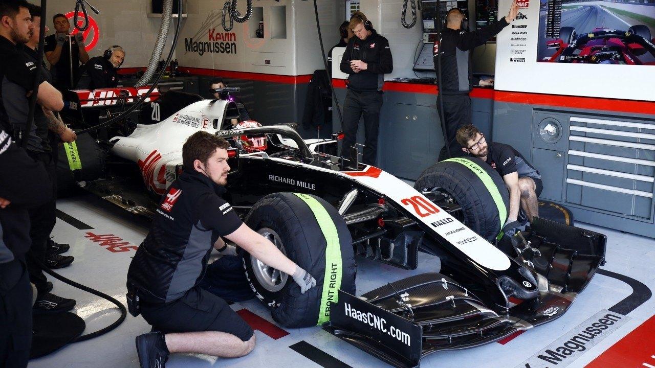 Haas detiene la evolución del coche, pero niega cualquier operación de venta del equipo