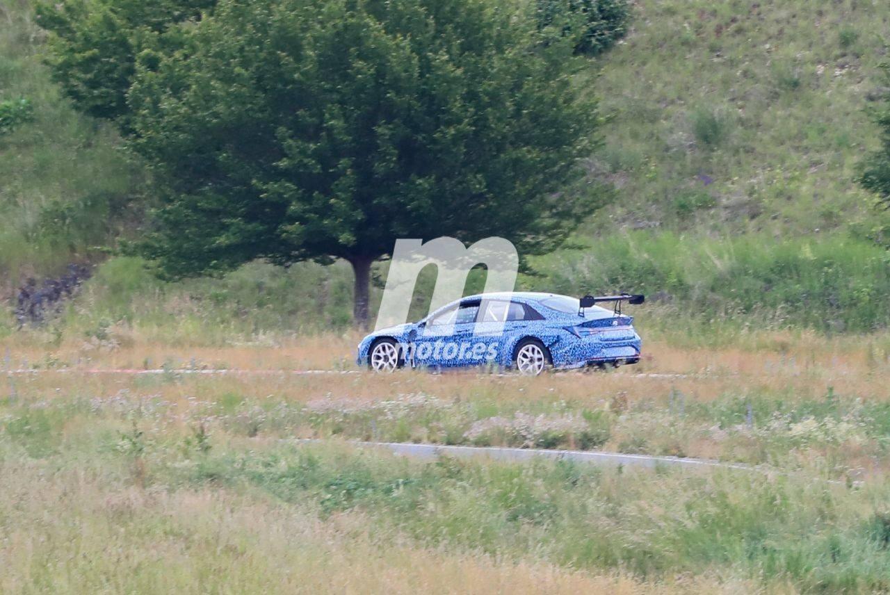 Cazan un nuevo coche de carreras basado en el Hyundai Elantra, ¿nuevo TCR a la vista?