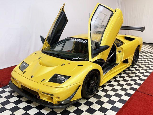 Uno de los salvajes y escasos Lamborghini Diablo GTR de circuito a la venta