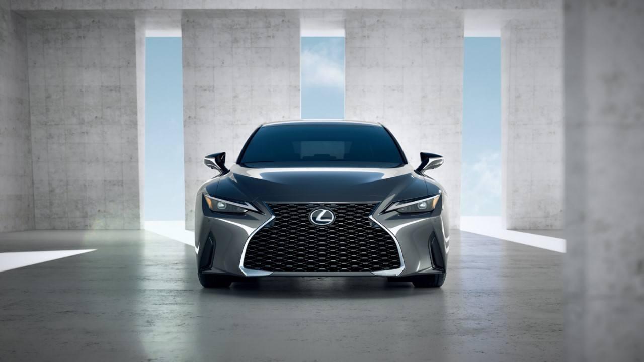 Lexus IS 2021, la berlina de lujo nipona debuta más deportiva y más equipada