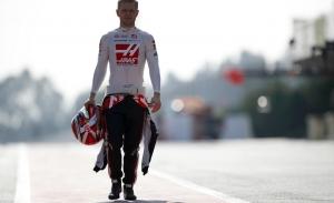 Magnussen se veía en el Ferrari de Sainz y no está de broma