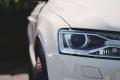 Cómo limpiar los faros del coche y eliminar el desgaste