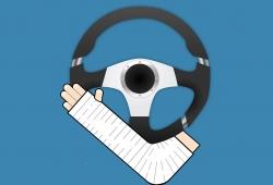 ¿Cuánto es la multa por conducir escayolado?