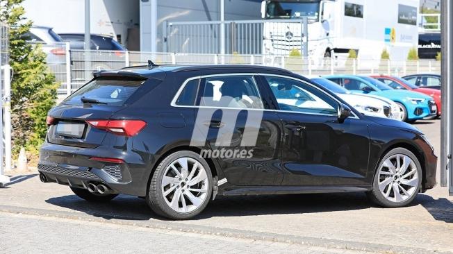 Audi S3 Sportback 2021 - foto espía posterior