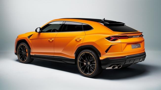 Lamborghini Urus 2021 - posterior
