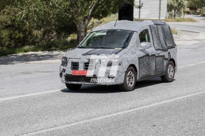 Renault Kangoo VP 2021 - foto espía frontal