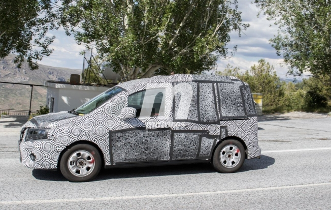 Renault Kangoo VP 2021 - foto espía