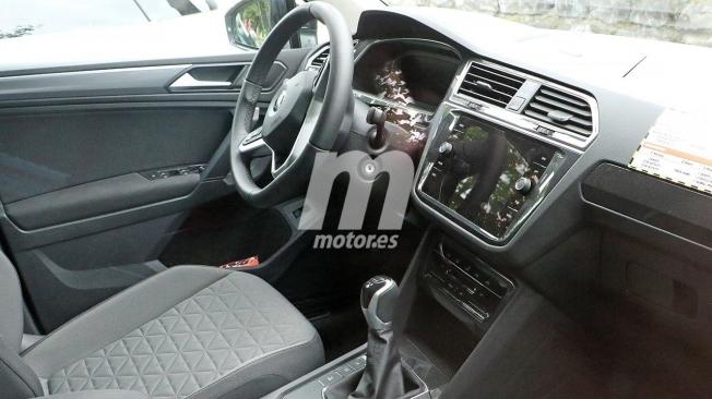 Volkswagen Tiguan 2021 - foto espía interior