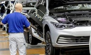Volkswagen y Skoda reinician la producción del Golf y Octavia
