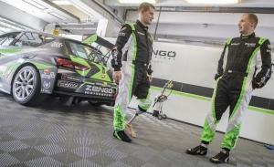 Zengö Motorsport y Bence Boldizs regalan a Attila László un test único