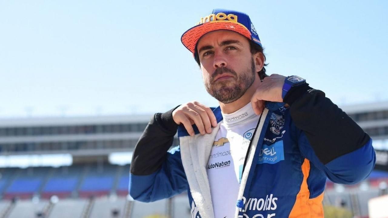 Alonso no quiere saber nada de la F1 por el momento: «Quiero la Triple Corona»