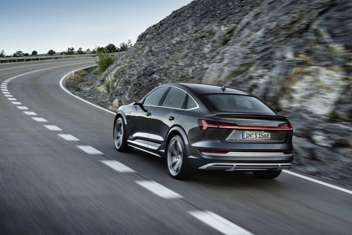 Foto Audi e-tron Sportback S - exterior