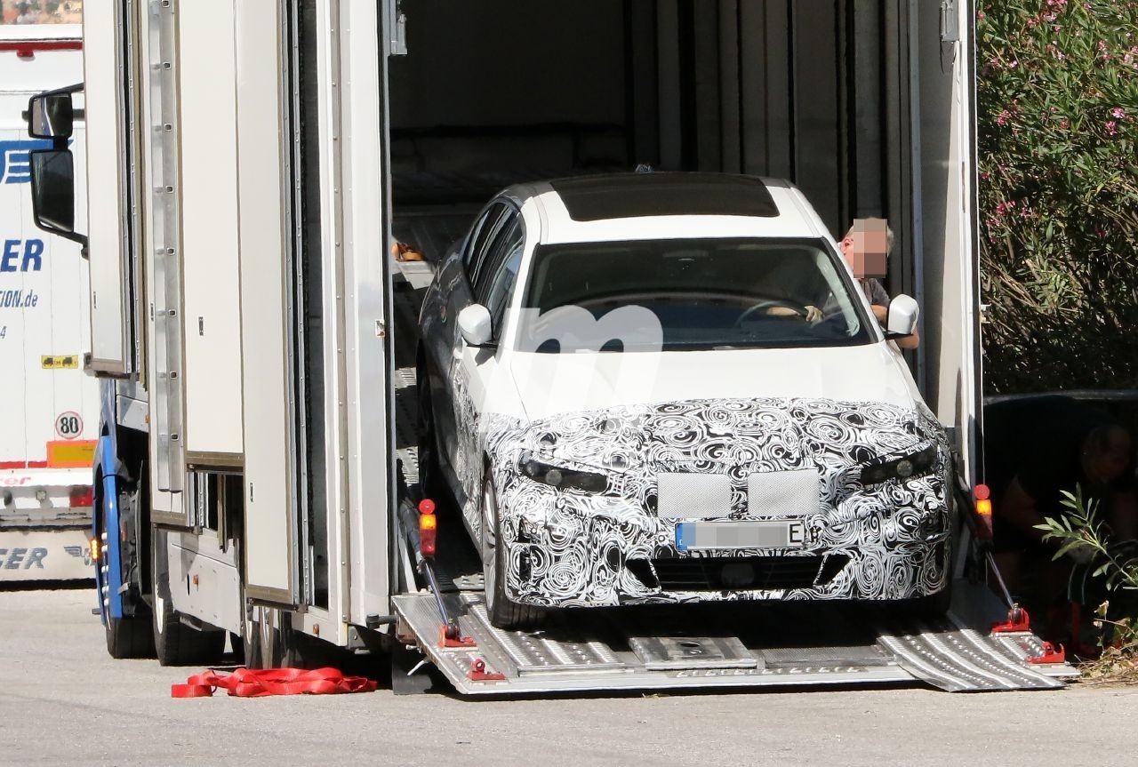 El futuro BMW i3, que llega en 2022, reaparece en fotos espía en el sur de Europa