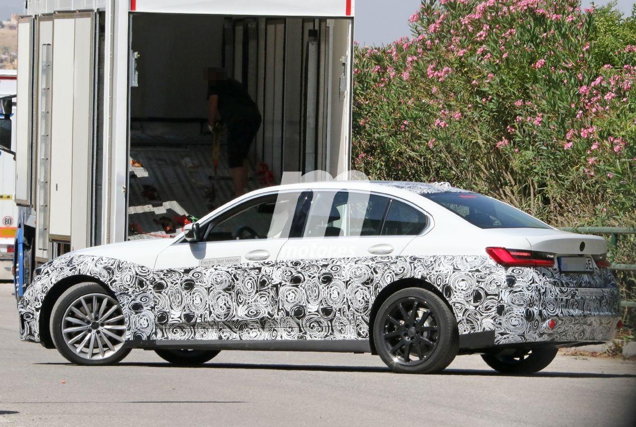 2022 BMW i3 21